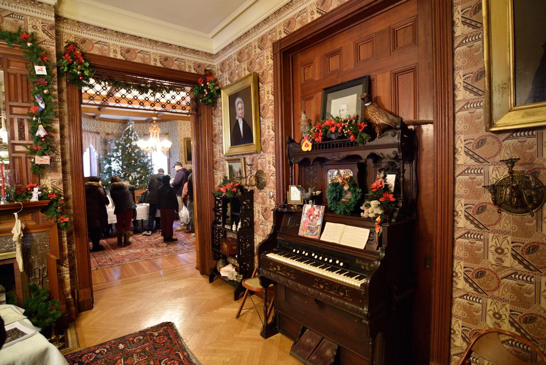 Bonafiglia Family donates ,000 to It's A Wonderful Life Museum